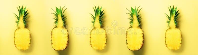 Helles Ananasmuster für minimale Art Beschneidungspfad eingeschlossen Pop-Arten-Design, kreatives Konzept Kopieren Sie Platz Fris stockfotos