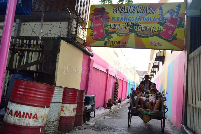 Helles Gas-Dorf in der Stadt von Semarang stockfoto