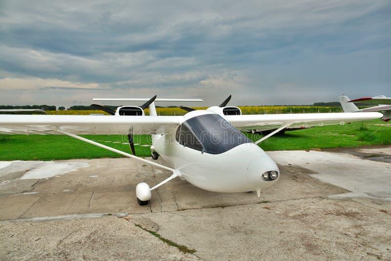 Helles privates Flugzeug stockfotografie