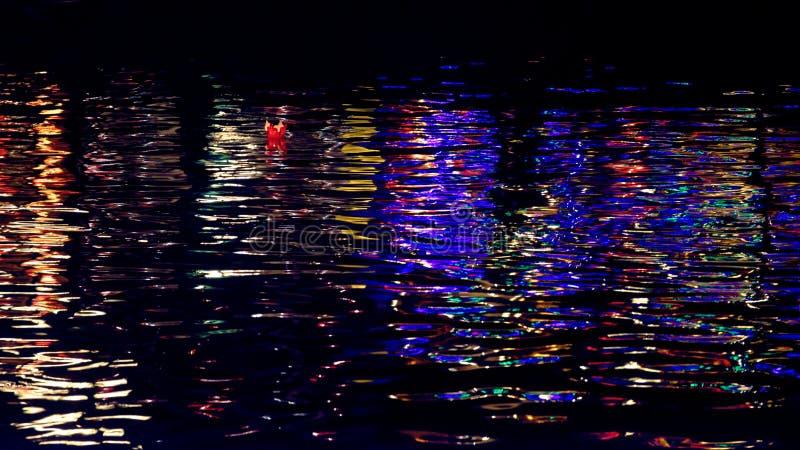 Helles Reflektieren vom Wasser in Hoi An stockfoto