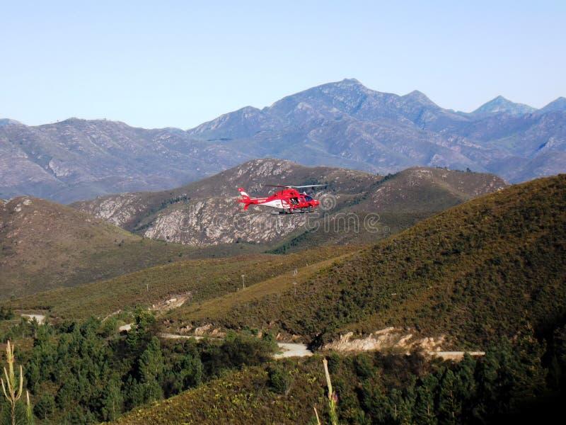 Hellicopter nelle montagne fotografia stock
