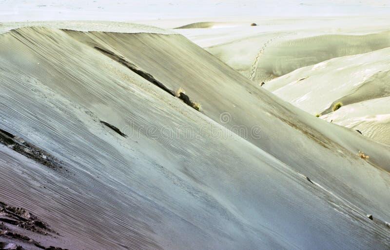 Helling in de woestijn stock fotografie
