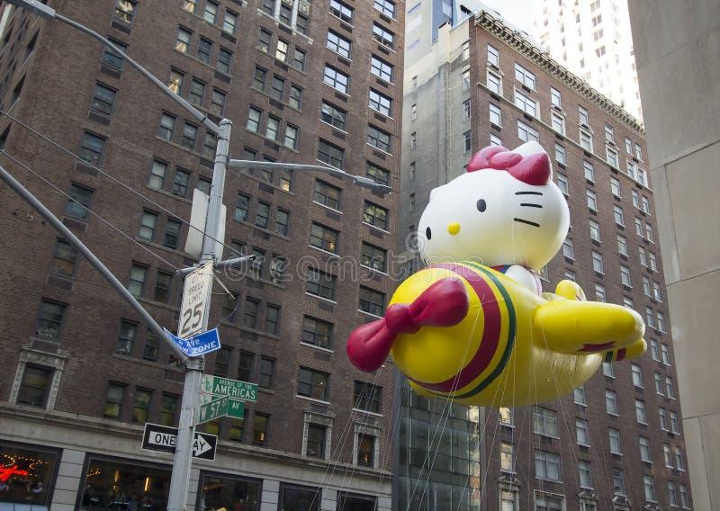 Hello Kitty Balloon in de 89ste Parade van jaarlijkse Macy stock foto