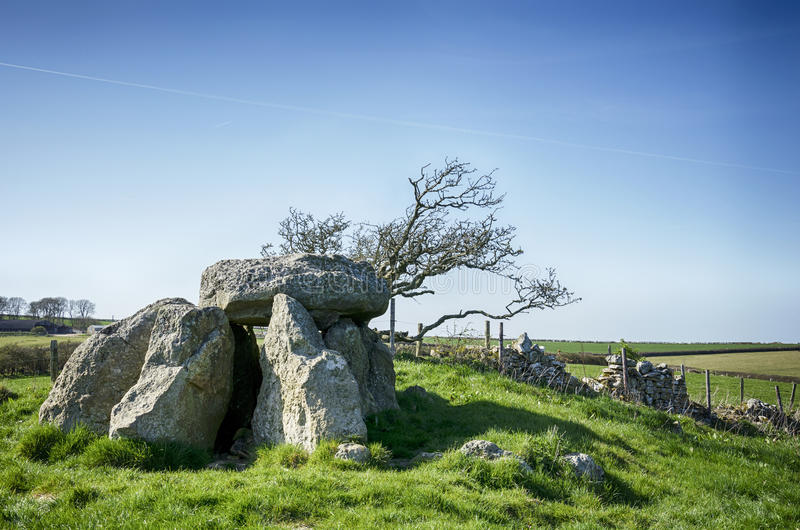 The Hellstone. At Portesham near Dorchester in Dorset, the remains of a Neolithic Dolmen stock photography