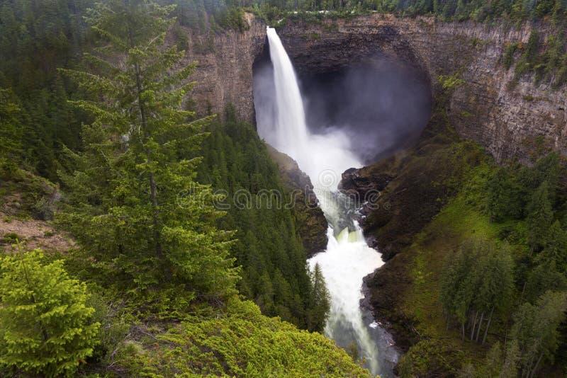 Helmcken baja Wells Gray Provincial Park Beautiful British Columbia Canadá foto de archivo