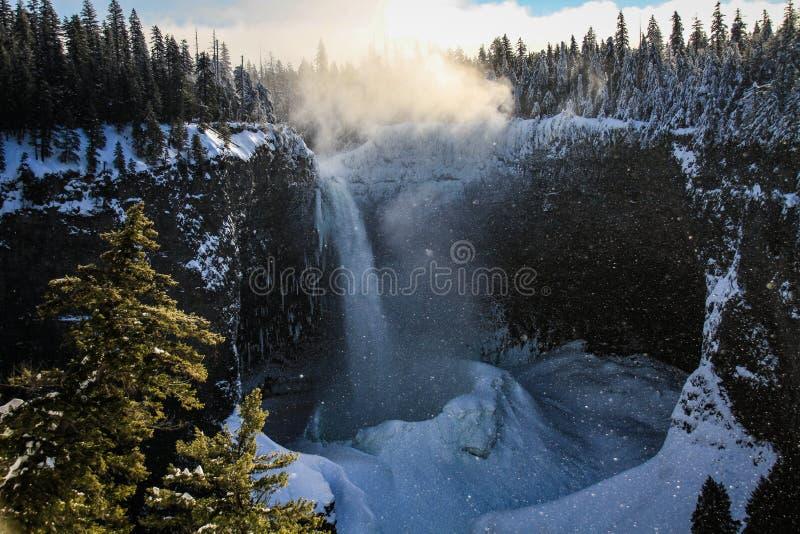 Helmcken cade su un giorno gelido, Columbia Britannica, Canada immagine stock libera da diritti