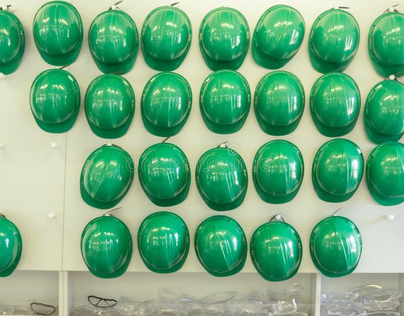 Helmen en Veiligheidsbeschermende brillen royalty-vrije stock afbeeldingen