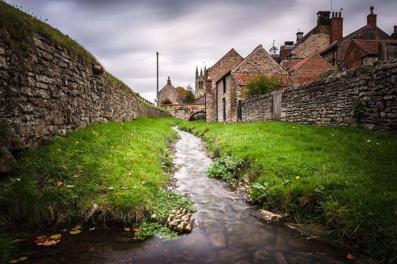 - Helmsley Beck, Helmsley, North Yorkshire UK - zdjęcie royalty free