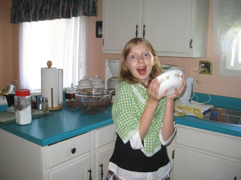 Helper in de keuken royalty-vrije stock afbeelding