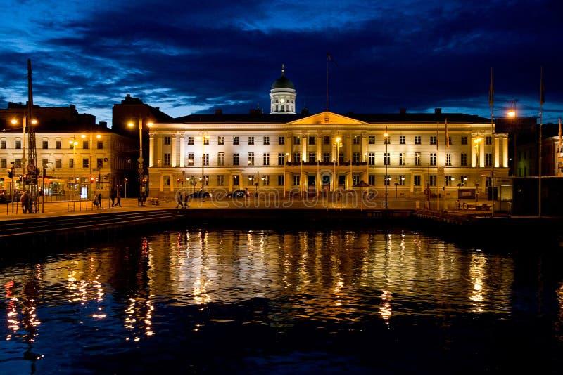 Helsínquia em a noite fotografia de stock