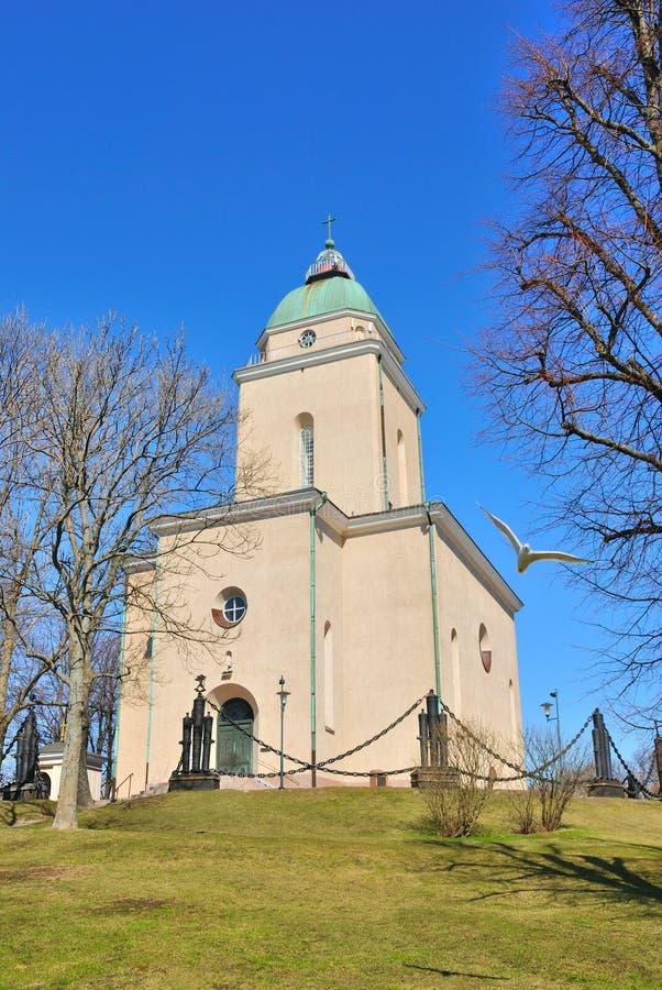 Helsínquia. Igreja em Suomenlinna imagens de stock