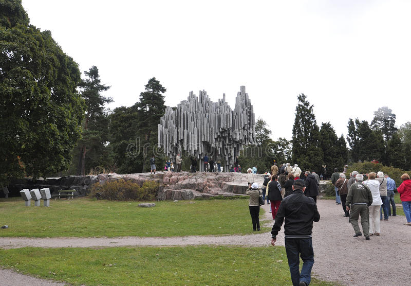 Helsínquia, o 23 de agosto de 2014 - monumento de Jean Sibelius de Helsínquia em Finlandia fotografia de stock