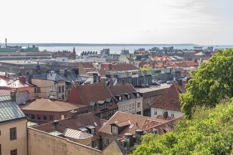 Helsingborg in Zweden dat hierboven wordt gezien van stock fotografie