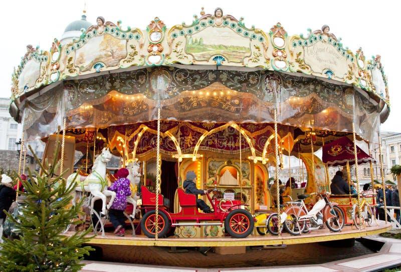 Download Helsingfors Finland 21 December 2015 - Traditionell Karusell På Julmarknaden Redaktionell Fotografering för Bildbyråer - Bild av karusell, marknad: 76704184