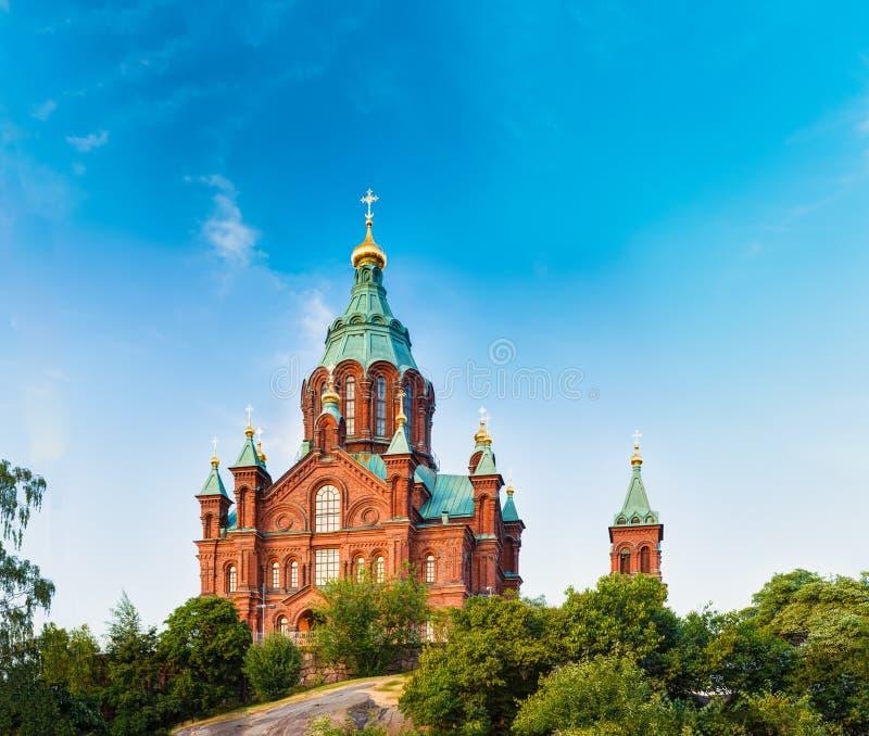 Helsingfors Finland Uspenski domkyrka på kullen på sommar Sunny Day arkivbilder
