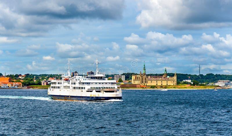 Download Helsingor - Helsingborg Färja Och Slotten Av Kronborg - Danmark Arkivfoto - Bild av hamlet, sommar: 78726888