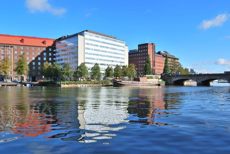 Helsinki. De baai van Kaisaniemi stock foto's
