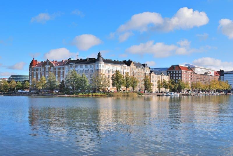 Helsinki. De baai van Kaisaniemi in de herfst royalty-vrije stock afbeelding