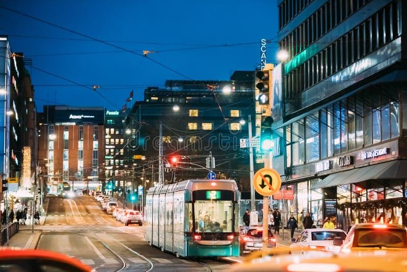 Helsinki, Finland De tram vertrekt van een Einde op Kaivokatu-Straat stock foto's