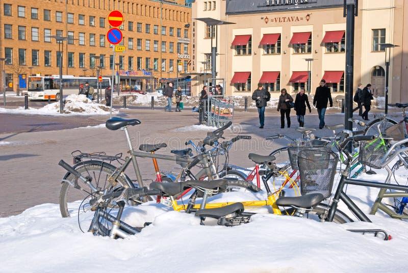 helsinki finland Fietsen dichtbij Centraal Station stock afbeelding