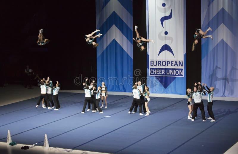 Helsinki, Finlande - 30 juin 2018 : Team Dolphins Coed d'Allemagne exécutant aux championnats Cheerleading européens 2018 d'ECU photos libres de droits