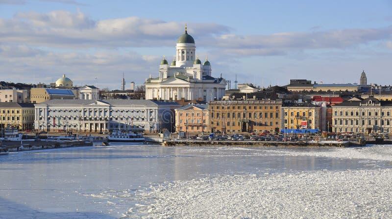 Helsinki linia horyzontu i Helsinki katedra w zimie, Finlandia obraz royalty free