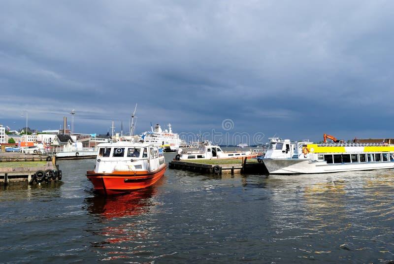 Helsinki. Südhafen vor dem Sturm lizenzfreies stockbild