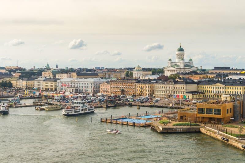 Helsinki-Stadtbild Ansicht vom Meer stockfotografie