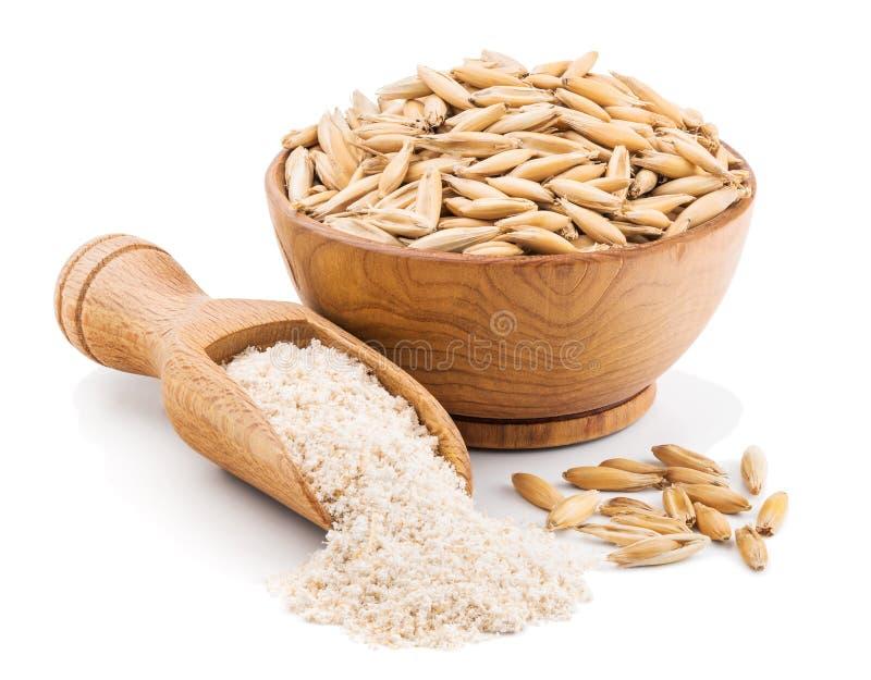 Helt kornhavremjöl som isoleras på vit royaltyfri bild