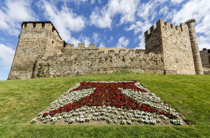 Hem- eller huvudsaklig ingång av den Templar slotten i Ponferrada, Bierzoen royaltyfri foto