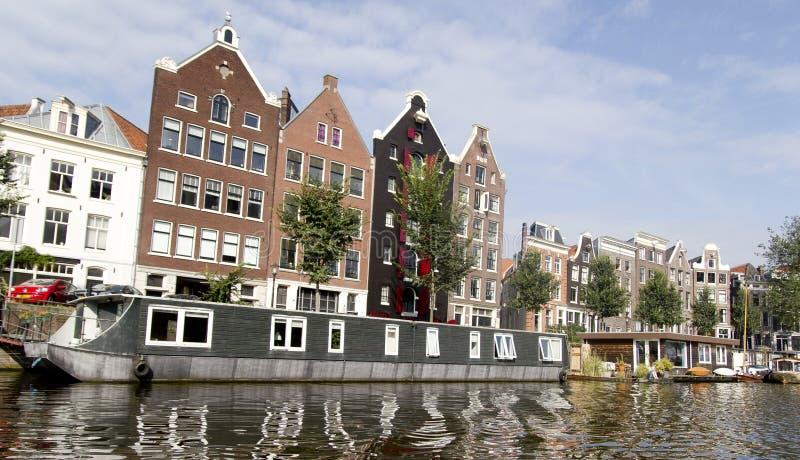 Hem och Windows för Nederländerna (Holland) royaltyfria bilder