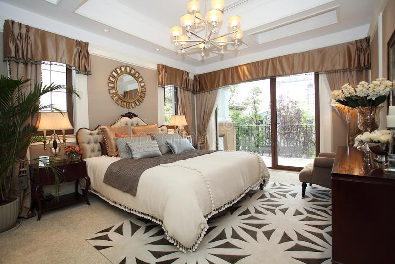 Hem- sovrum för lyx royaltyfri foto