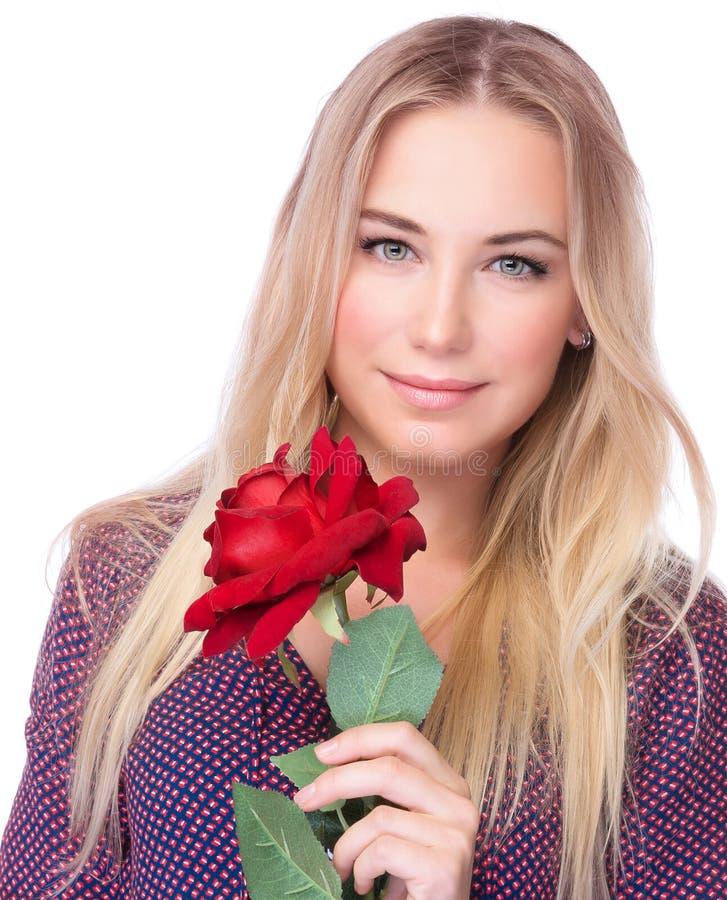 Hembra magnífica con la rosa del rojo imagen de archivo