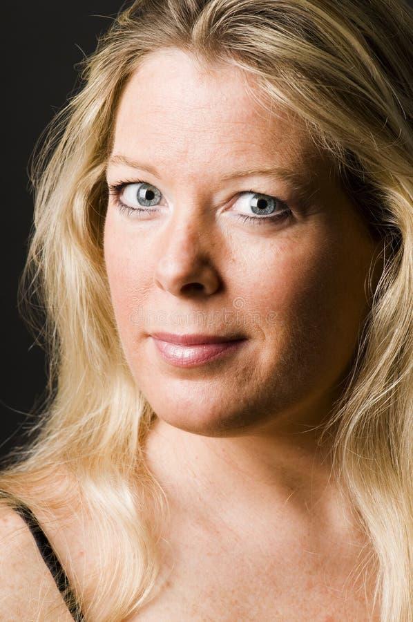 hembra rubia de la mujer bonita atractiva de la Edad Media imagen de archivo