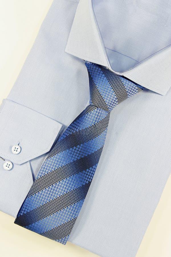 Hemd und Bindung stockfoto