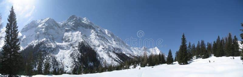 Hemel in de winter in Tirol/Tirol royalty-vrije stock foto's