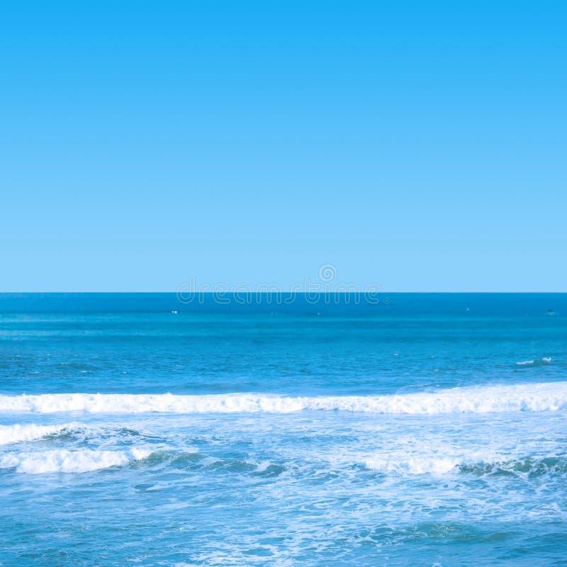 Hemel en overzeese horizon stock afbeeldingen