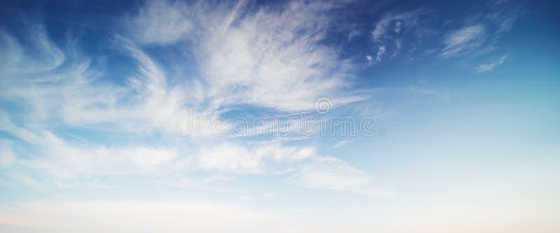 Hemel en wolken tropische panorama royalty-vrije stock afbeelding