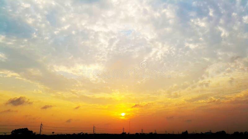 Hemel en zonsondergang stock foto