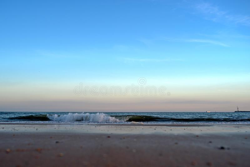 Hemel, golven en zand in strand 1 royalty-vrije stock afbeeldingen