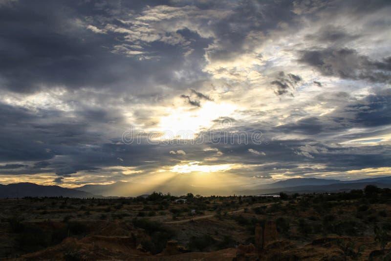 Hemel vóór het onweer, Tatacoa-Woestijn, Colombia royalty-vrije stock foto's