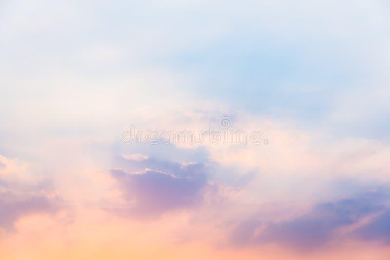 Hemel in zonsondergang royalty-vrije stock foto's