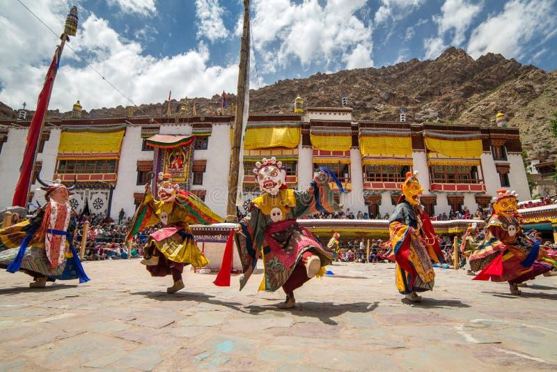 Hemis Tsechu,在Hemis修道院的神秘的佛教仪式,当修士/可汗舞蹈执行的神秘的面具跳舞 库存图片