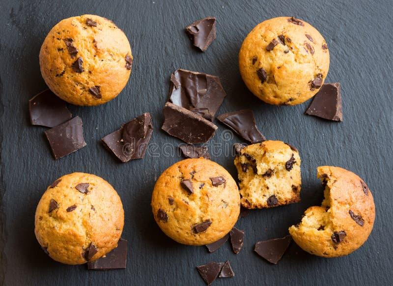 Hemlagad choklad Chip Muffins arkivbild