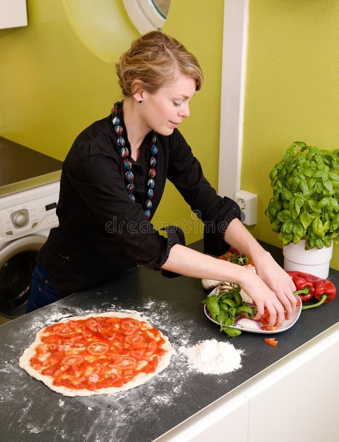 hemlagad italiensk pizzastil arkivfoton