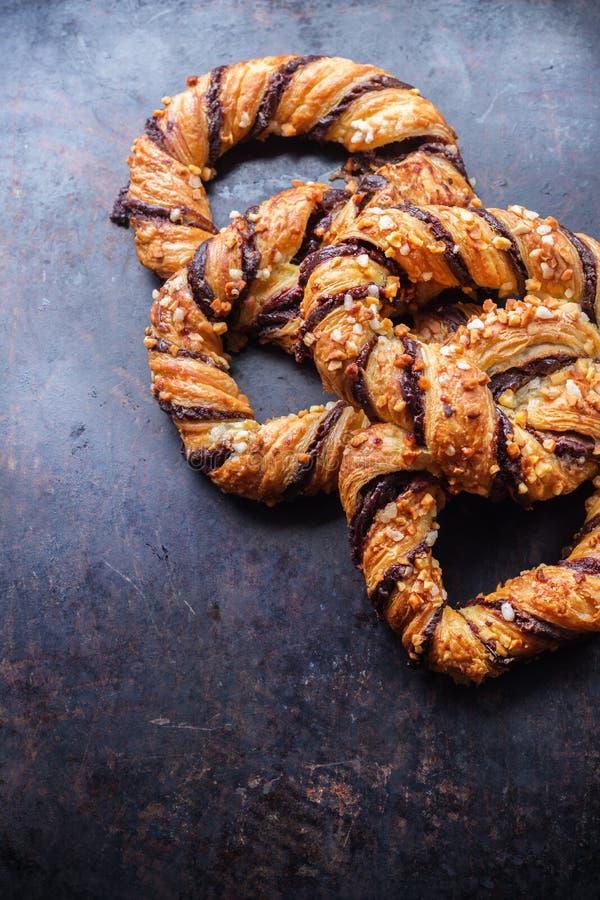 Download Hemlagad Kringla Med Choklad Och Frasiga Mandlar Fotografering för Bildbyråer - Bild av smällare, äta: 78729843