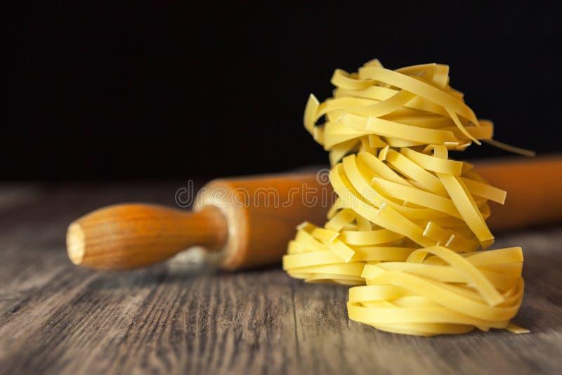 Hemlagad läcker pasta royaltyfria bilder