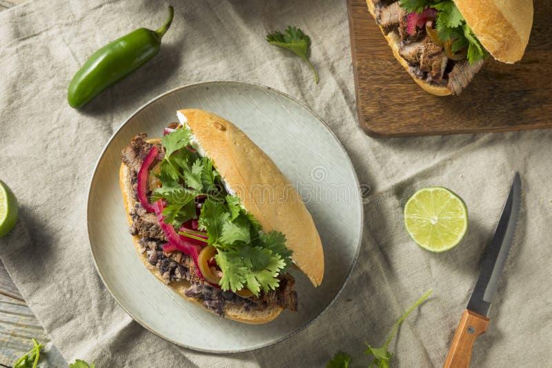 Hemlagad mexicansk nötköttTorta smörgås royaltyfria bilder