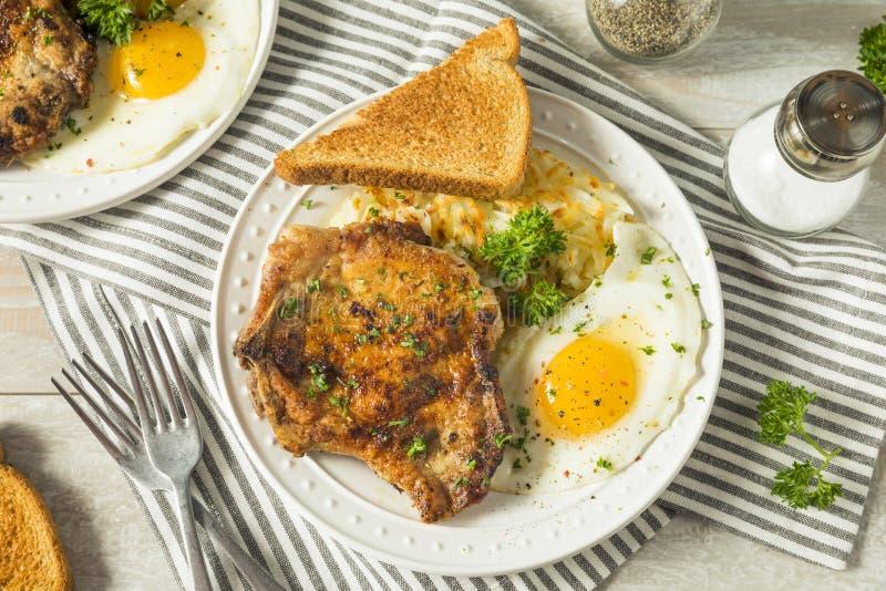 Hemlagade Fried Breakfast Pork Chops royaltyfri fotografi
