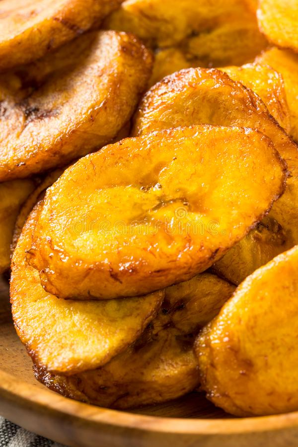 Hemlagade gula Fried Plantains royaltyfria bilder